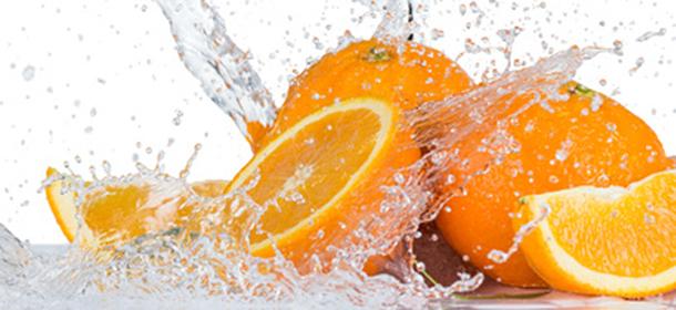 Offenbar können wir die wertvollen Nährstoffe der Orange besser aus dem Saft als aus frischen Früchten aufnehmen.