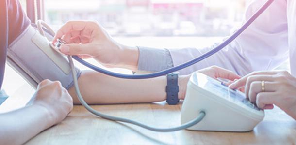 Das Verhältnis von EPA und DHA im Blut lässt sich mit dem Omega-3-Index messen.