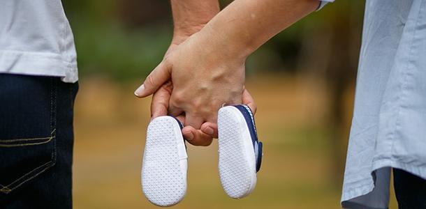 Die gute Versorgung mit Folsäure wird Frauen mit Kinderwunsch bereits vor der Schwangerschaft zur Vorbeugung vor dem Neuralrohrdefekt empfohlen.