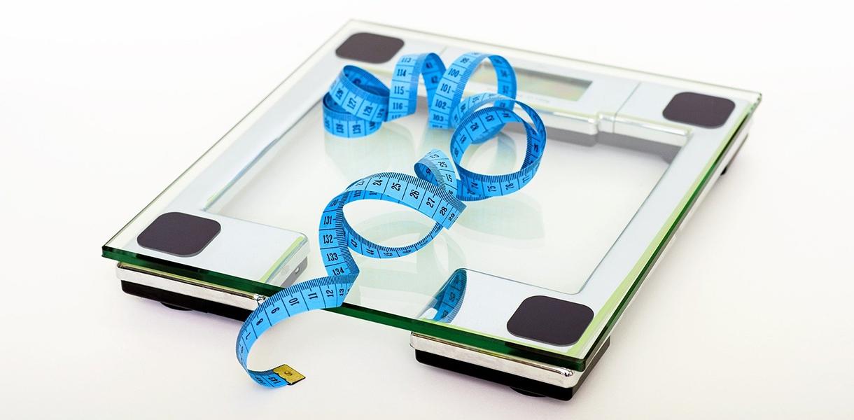 """Diäten zur Gewichtsreduktion auf dem """"realen"""" Prüfstand"""